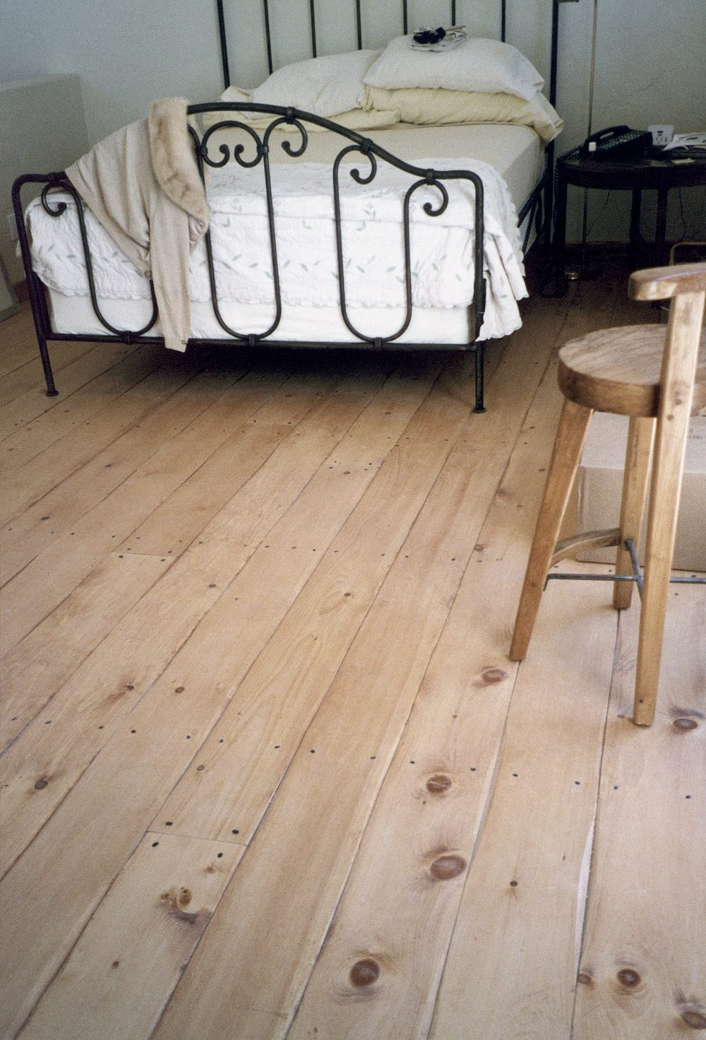 3 Bright & Beautiful Ways to Design with White Wood Floors ... - ^