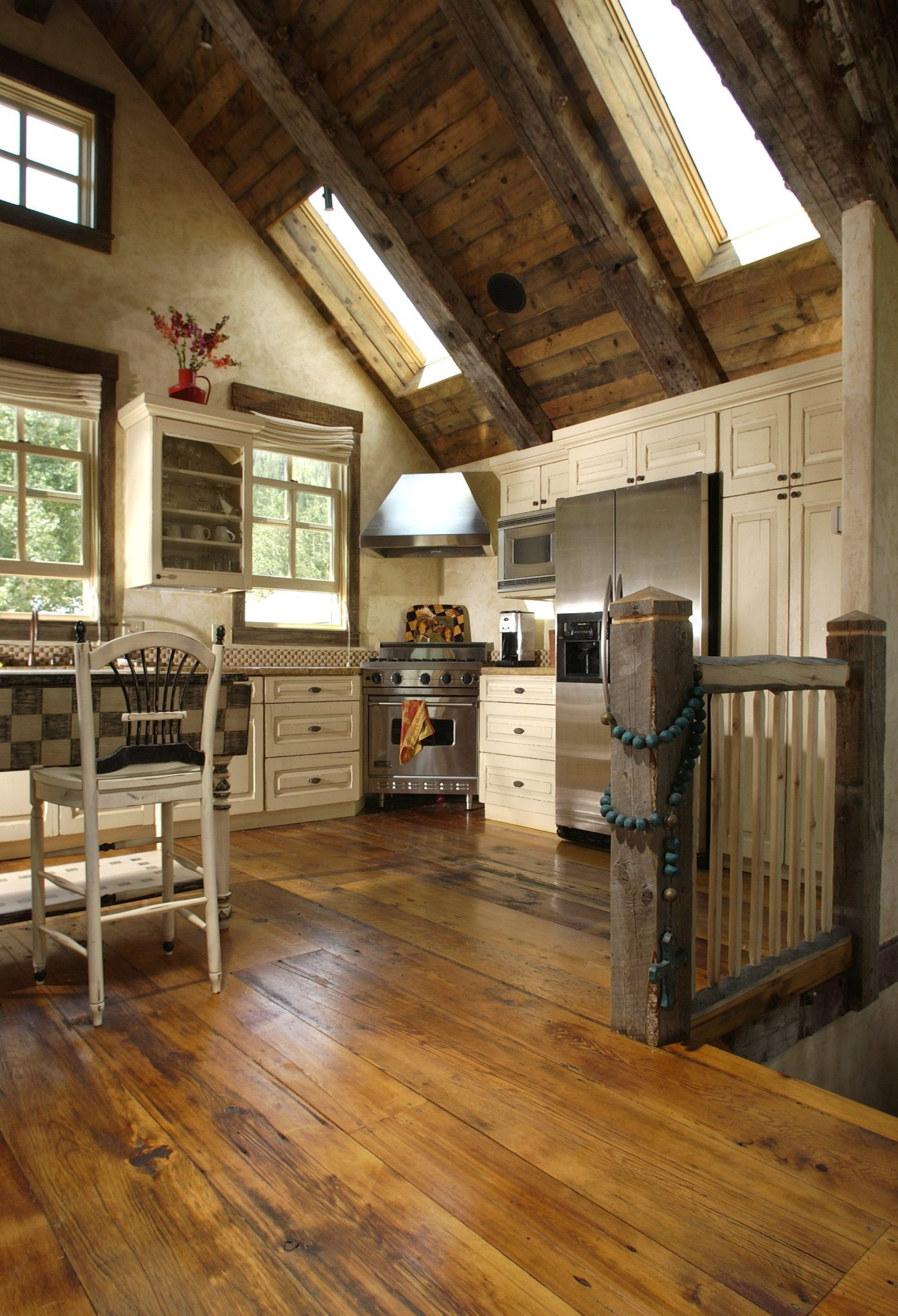 Reclaimed Barnwood Flooring in Colorado Kitchen   Carlisle Wide ...